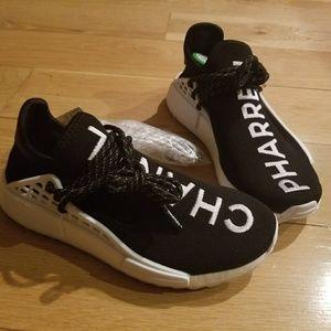the latest 2cde8 506a1 Pharrell x Chanel Adidas NMD HU HUMAN Race size 5 NWT